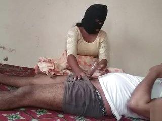 Desi Randi Indian Bhabhi Couple Sex In saree.