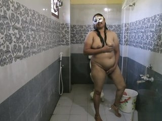 Big Boob Indian Bhabhi Dipinnita Taking Shower