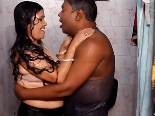 Bengali Boudi Showing Boobs HD