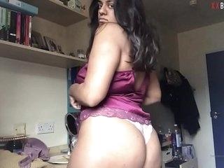 Midlands British Paki Teen Stripping