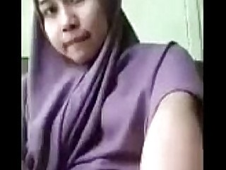 asian muslim schhol girl showing her pussy by cam