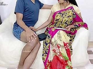 Red saree aunty makes me horny.