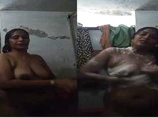 Exclusive- Sexy Telugu Bhabhi Bathing